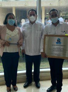 """Hospital Dr. Sigifredo Alba Domínguez recibe premio """"MEJOR DESEMPEÑO HOSPITALARIO 2021"""" por el Servicio Regional de Salud Cibao Central"""